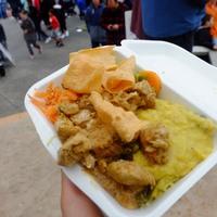 フェスティバルで多国籍料理を堪能!