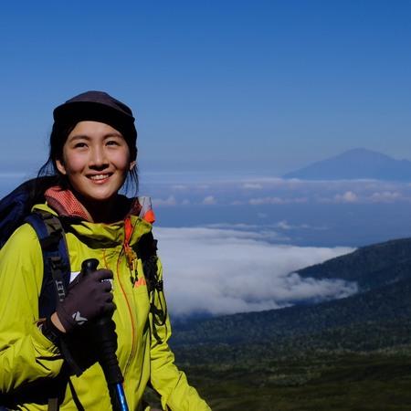 遠くにメルー山。バランコキャンプ手前