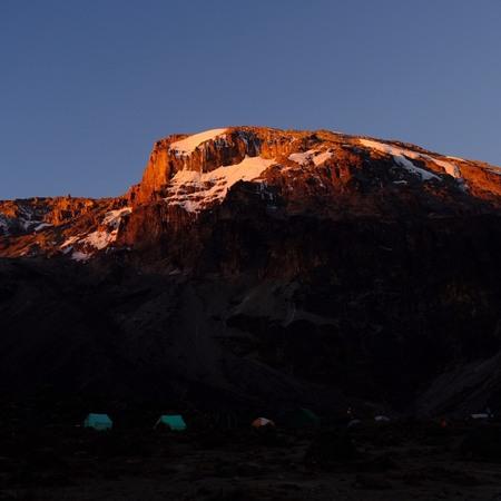 バランコキャンプから見たキリマンジャロ