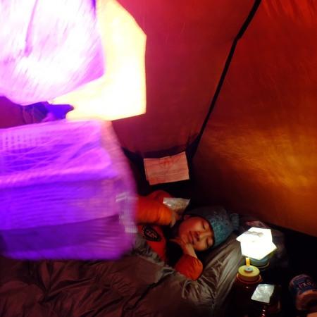 キリマンジャロ ソーラーパフの明かりで就寝